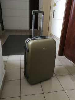 28寸行李箱出售