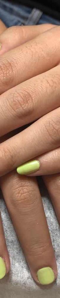 纯色指甲第一次只需5元,绝不因价低而敷衍了事,5元只为了口碑