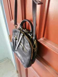 二手女式手提包S$6