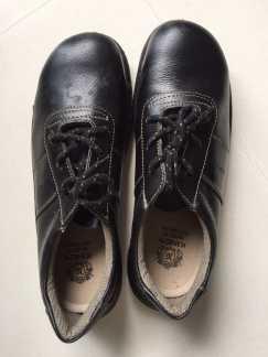 全新工作皮鞋