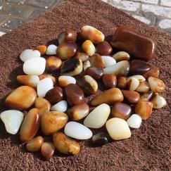 每一颗和田玉籽料都是一种艺术。